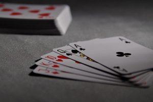Stratégie, tipy a triky pri blackjacku